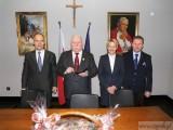 Finaliści Konkursu Wiedzy o Laureatach Pokojowej Nagrody Nobla z wizytą u Lecha Wałęsy
