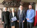 Podpisanie porozumienia – Olimpiada Wiedzy o Laureatach Pokojowej Nagrody Nobla