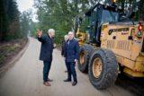 Wojewoda wizytował modernizowane drogi